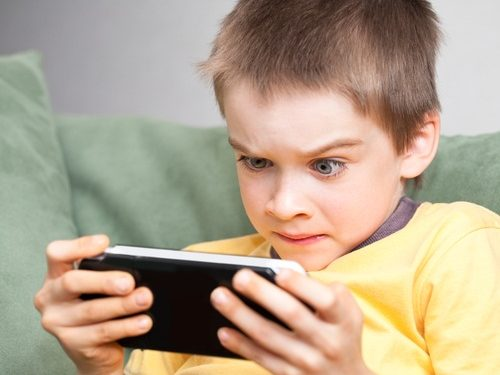 A-6-Year-Old-Spent-16000-on-Video-Game-With-Moms-Credit-Card
