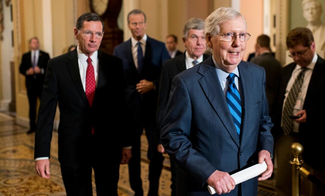 GOP Senator Warns $2,000 Checks Can't Be Pass, Impels Trump to Sign COVID Deal