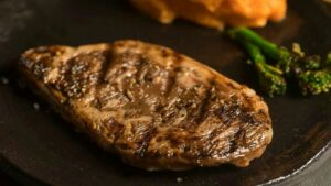 The World's First 3D Printed Lab-Grown Rib-Eye Steak Unveiled