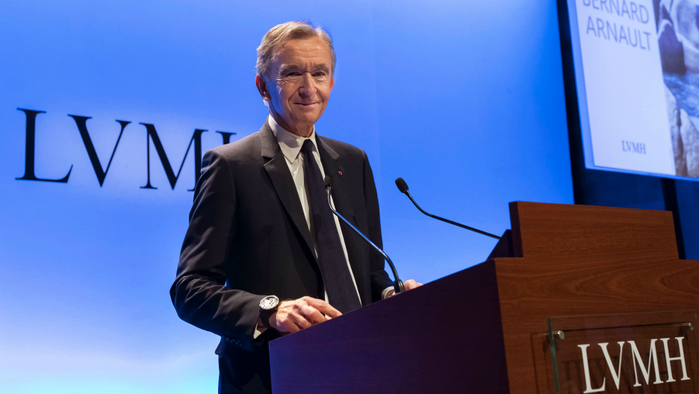 Bernard Arnault Overtakes Jeff Bezos to Become The World's Richest Man After His Net Worth Hits $186B